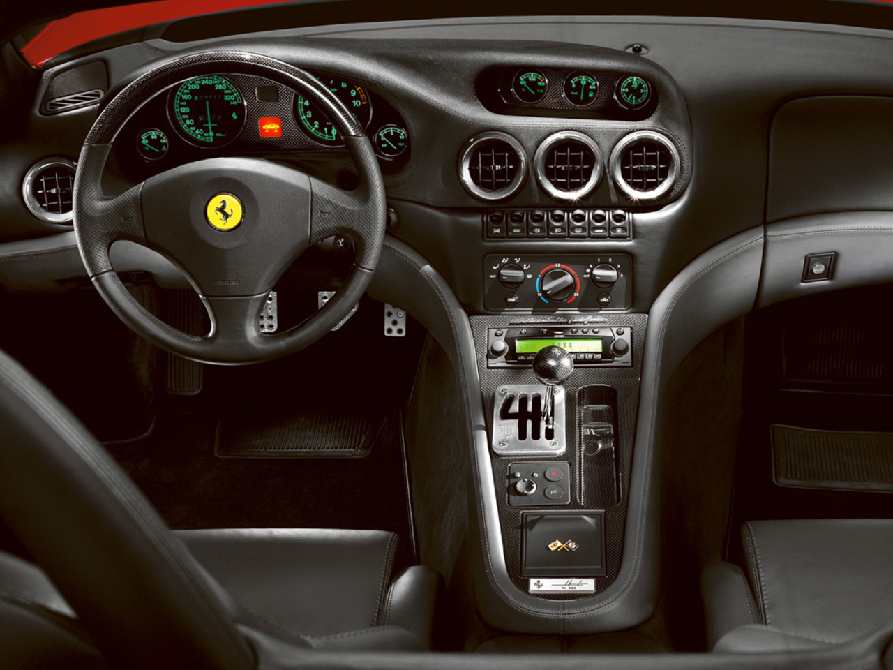 550 Barchetta Pininfarina: Steering wheel and dashboard detail