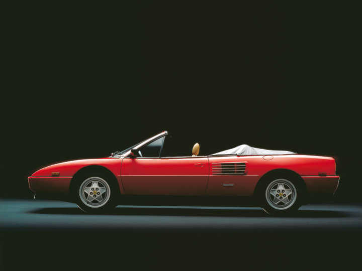 ferrari mondial t cabriolet 1989. Black Bedroom Furniture Sets. Home Design Ideas